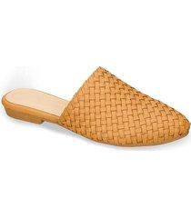 zapatos formales café bata yubrit r mujer