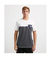 camiseta manga curta com recorte e bolso estampado | ripping | cinza | g