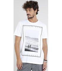 camiseta masculina com estampa de praia manga curta gola careca off white