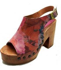 sandalia cuero maytte floreado rosado amano shoes