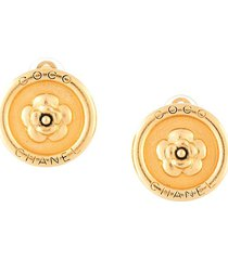 chanel pre-owned 1997 camellia-embossed logo button earrings - gold