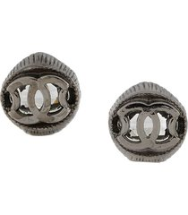 chanel pre-owned embossed cc earrings - silver