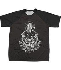 camiseta chess clothing estampa tiger preto