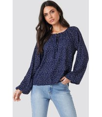 na-kd balloon sleeve dotted blouse - blue