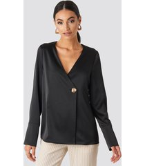 na-kd classic satin blouse - black