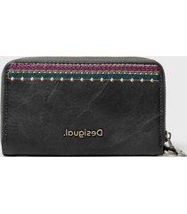 billetera mini zip negro desigual