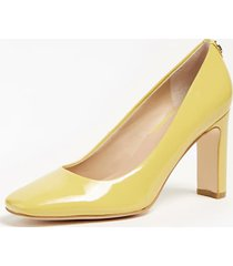 lakierowane buty na obcasie model blenda