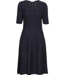 c_feli knälång klänning blå boss