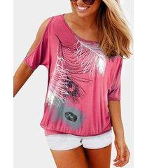 yoins camiseta de manga corta con hombros descubiertos y estampado de plumas rosas