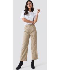 na-kd pleated trousers - beige