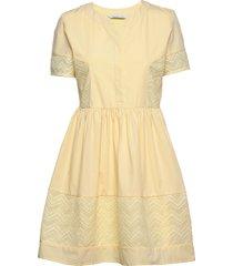 cam dress knälång klänning gul camilla pihl