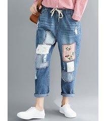 pantaloni di jeans casual ricamati per le donne