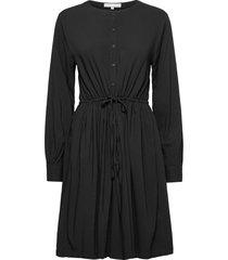 srbloom dress knälång klänning svart soft rebels