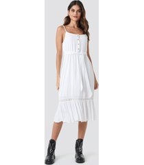 donnaromina x na-kd crochet detail midi dress - white