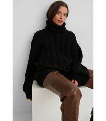 na-kd trend kabelstickad tröja med ribbade ärmar och hög krage - black