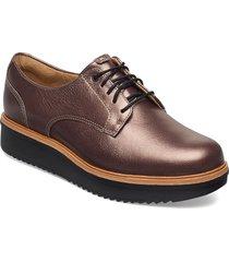 teadale rhea snörade skor låga brun clarks