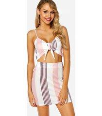 pink self-tie diseño top y falda adornada con botones conjuntos de dos piezas