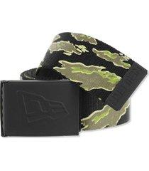 new era men's rubberized buckle tiger stripe military-style web belt
