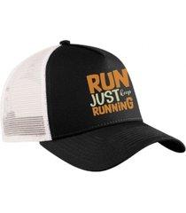 boné trucker corrida bordado snapback preto e branco - just keep running preto