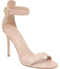 zapato de tacón kahlua2 para mujer guess - beige