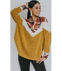 sweater trapecio mostaza hojas otoño natalia seguel