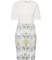 popina knälång klänning vit ted baker