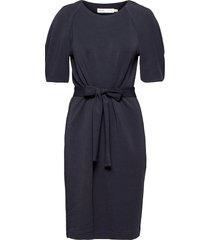 becaiw dress knälång klänning blå inwear