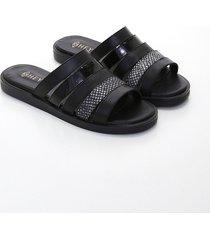 sandalia negra heyas hemanuela