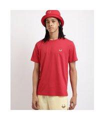 camiseta masculina sorriso arco íris manga curta decote careca vermelha