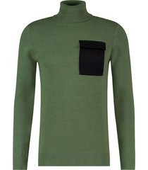 purewhite kol pullover with pocket in frond army green
