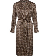 3174 satin - raya fs dress jurk knielengte bruin sand