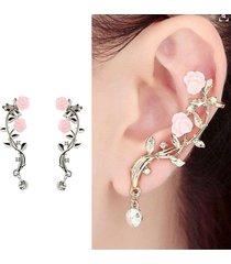 orecchini ear cuff a rosa in colore argento dorato