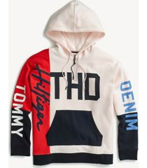 tommy hilfiger women's adaptive oversized signature pieced hoodie blushing bride / high risk red/ multi - m