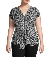 short-sleeve v-neck front-tie blouse