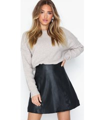 selected femme slfbobi mw leather skirt b minikjolar