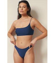 josefine hj x na-kd recycled bikinitrosa med hög benskärning - blue