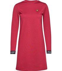 t-shirt dress knälång klänning röd lyle & scott