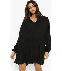 gesmokte jurk met lange mouwen, laagjes en laag decolleté, black