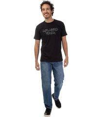 camiseta masculina com aplicaã§ã£o preto - preto - masculino - dafiti
