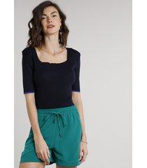 blusa feminina em tricô manga curta decote quadrado azul marinho