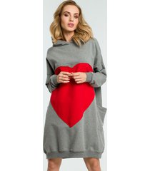 sukienka dresowa z sercem