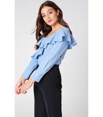 kristin sundberg for na-kd off shoulder flounce blouse - blue