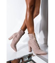 akira feel the attraction pointed toe chunky heel bootie