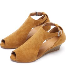 cuña marrón peep toe diseño sandalias
