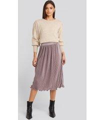 na-kd trend pleated detailed hem skirt - purple