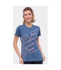 camiseta new balance relentless novelty crew feminino