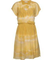 dress w. elastic band at waist knälång klänning gul coster copenhagen
