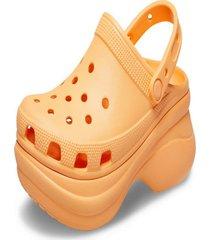 sandália crocs classic bae clog w laranja. - kanui