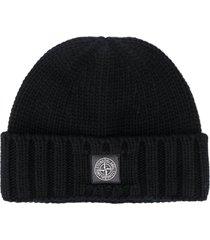 stone island logo patch beanie hat - black