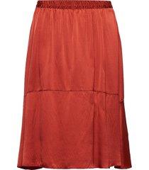 lisbet knälång kjol röd fall winter spring summer